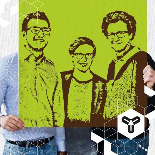 DU bist Kunst! Mit Spraynting haben die drei Studenten aus dem Allgäu einen Weg gefunden, wie sich jeder ganz einfach ein handgefertigtes Unikat in die Wohnung holen kann! Eine coole Geschenkidee, wie wir finden. https://spraynting.de/ https://www.facebook.com/spraynting PS: Schaut euch auch das tolle Video an, wie die Kunstwerke hergestellt werden!